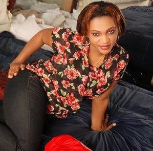 Video ya mwanamke anatombwa images frompo 1